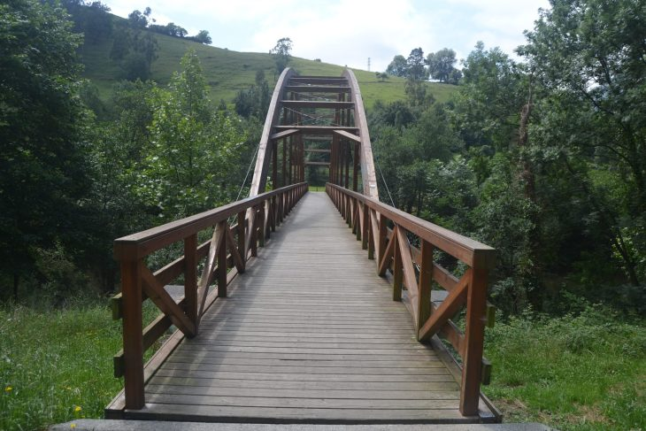 Puente sobre el río Asón