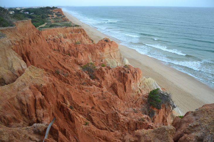 Ruta por el Algarve recorriendo Praia da Falésia
