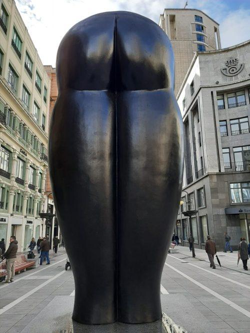 """Escultura """"Culis Monumentalibus"""" de Eduardo Úrculo"""""""