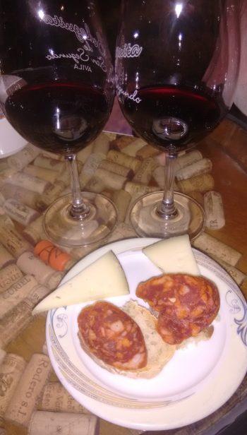 Vinos y tapas en la Bodeguita de San Segundo