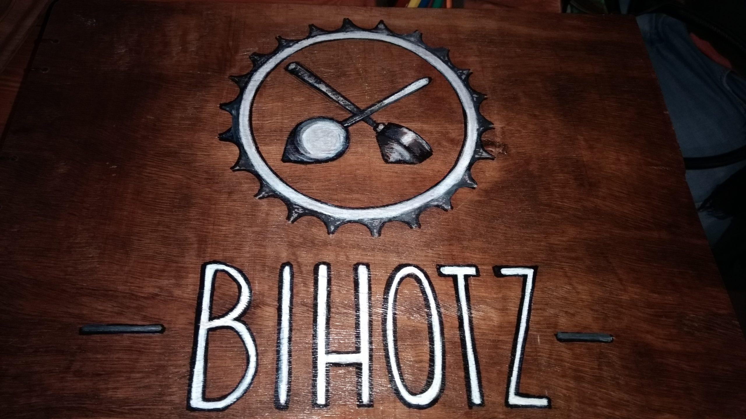 Libro de dibujos del Bihotz Café de Bilbao