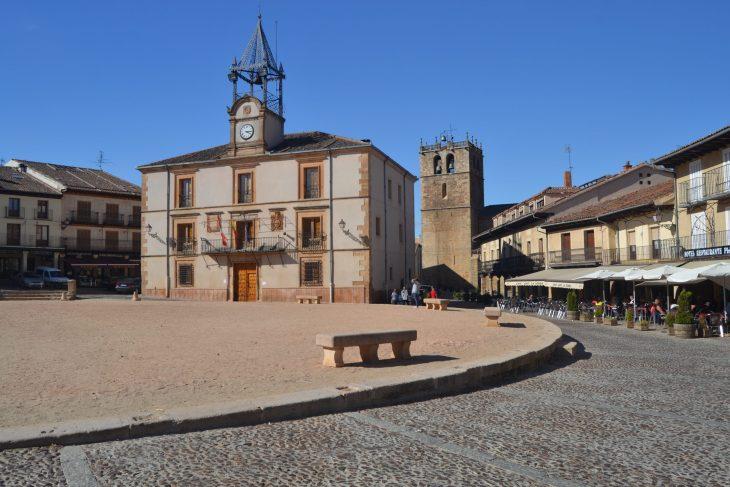 Ayuntamiento de Riaza, en la Plaza Mayor