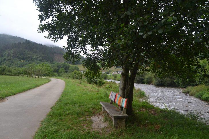 Carretera hacia Bustiello