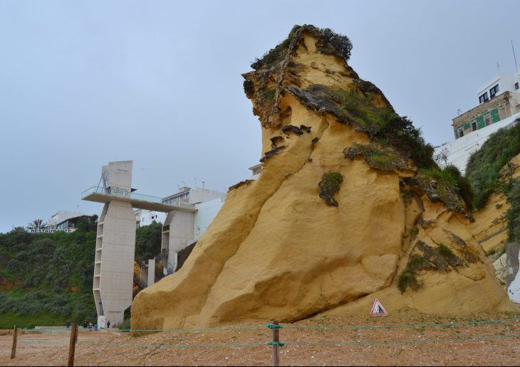 Ascensor y Risco de Praia do Peneco