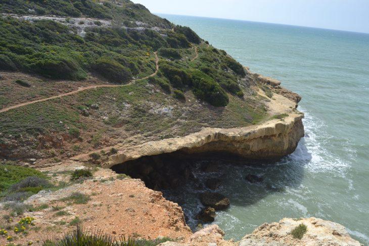 Cala de piedra en el Algarve