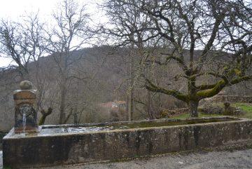 Fuente de Villabáscones de Bezana