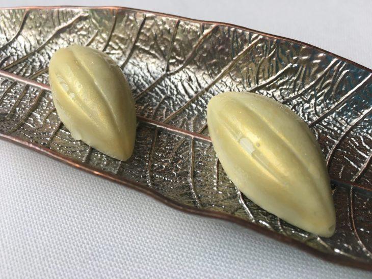 Bombón de Cabrales y chocolate blanco