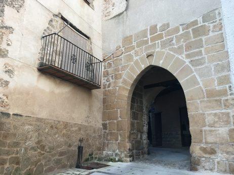 Portal de san Gregorio de Beceite