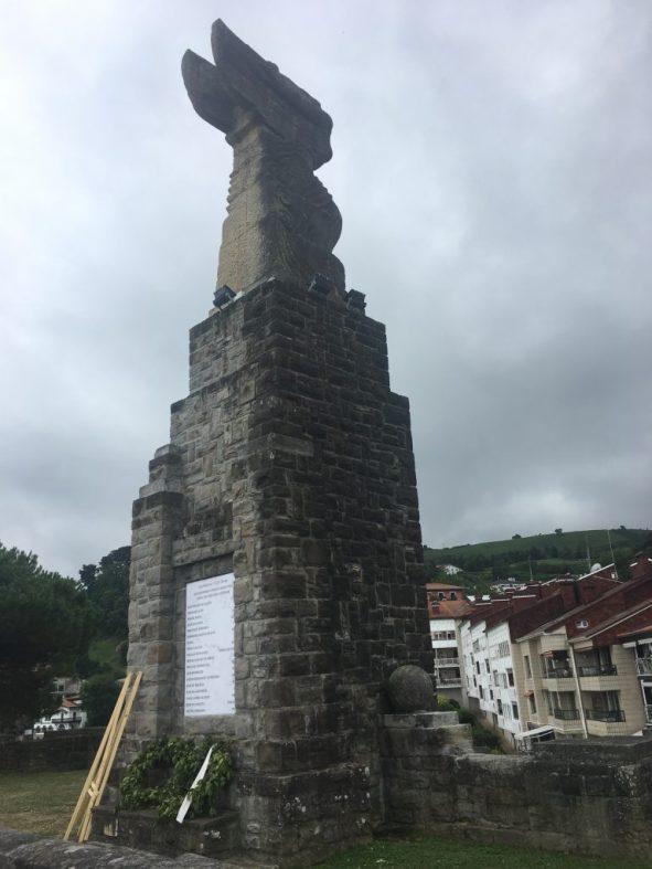 Monumento de Elkano