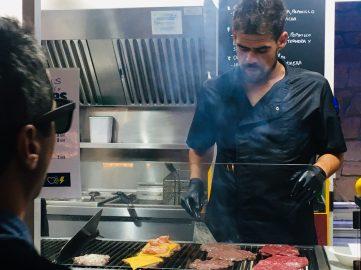 Hamburguesa en Delicious Gastronomía