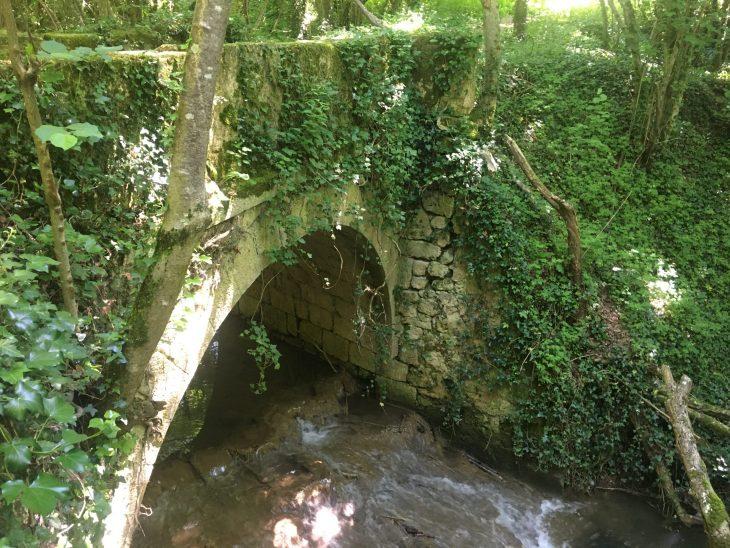 Puente sobre el río Inglares