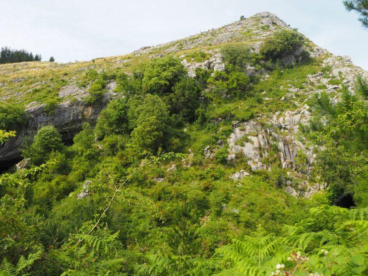 Cuevas de Baltzola y Túnel de Abaro