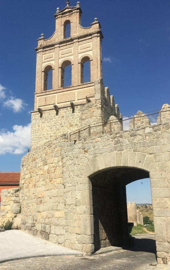 Puerta del Carmen y Espadaña