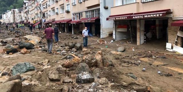 Giresun'da 4 kişi yaşamını yitirdi 11 de kayıp var