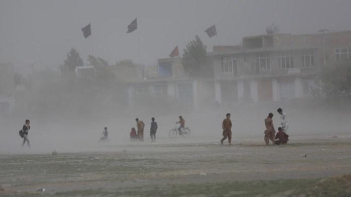 Afganistan'da ani taşkınlar, en az 30 ölü
