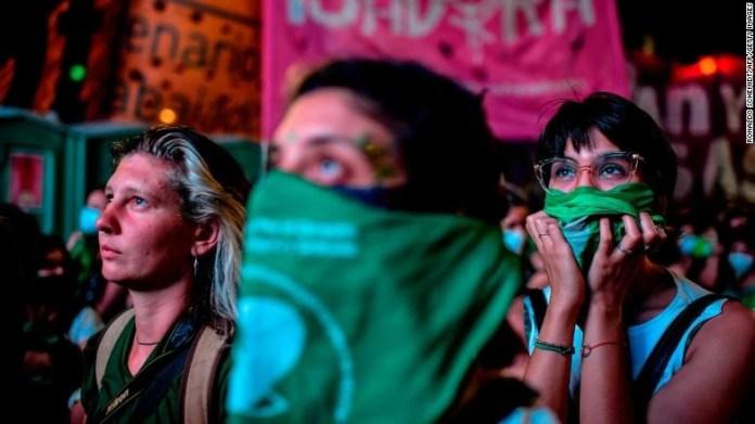 Arjantin'de kadınlar tarih yazıyor