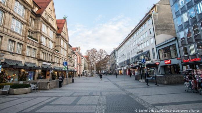 Almanya'da doktorlar tam kapanmanın uzatılmasını istiyor