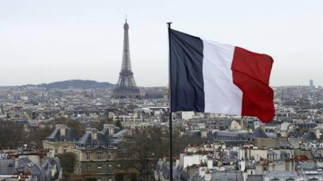 Fransa'da 'aşırı İslamcı eğilimlerle mücadele' yasası onayı