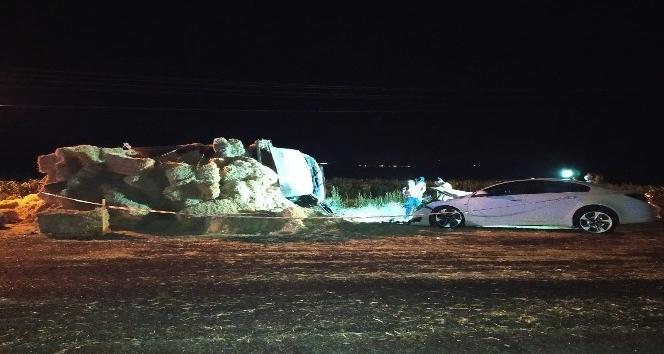 Otomobille saman yüklü kamyonet çarpıştı: 7 yaralı