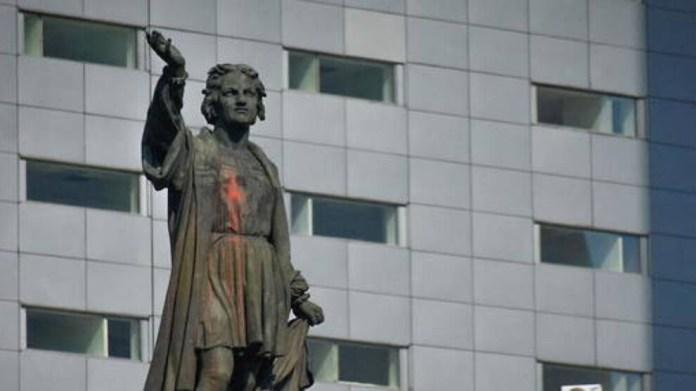 Meksiko'da Colomb'un heykeli kaldırılacak, yerine kadınlar için anıt dikilecek