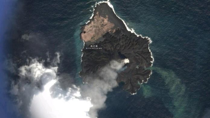 Pasifik'te yanardağ hareketliliğinden yeni bir ada oluştu