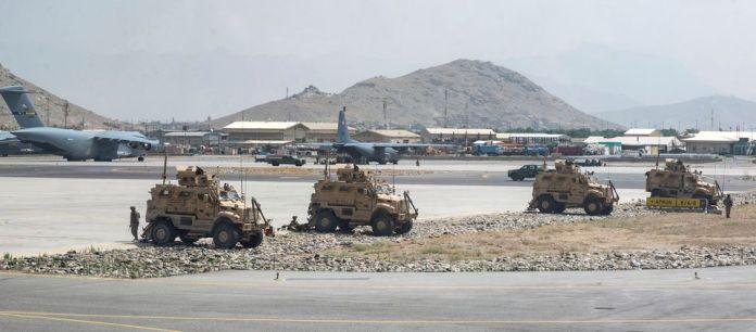 20 yıl sonra Afganistan'da Amerikan askeri yok