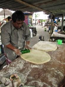 Membuat roti goreng