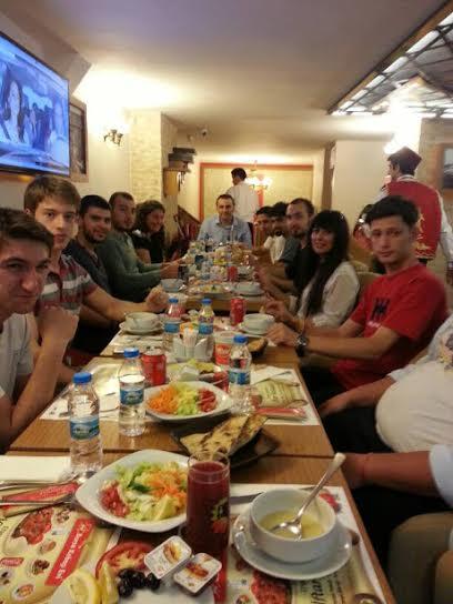 Dergimizin ilk yemekli toplantısını, Zekeriya Hocamınız önderliğinde gerçekleştirdik