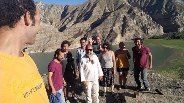 Kervanın Cerattepe ayağını Praksis Müzik Kolektifi'nden Serdar Türkmen (fotoğrafa bakana göre en sağda) ile konuştuk