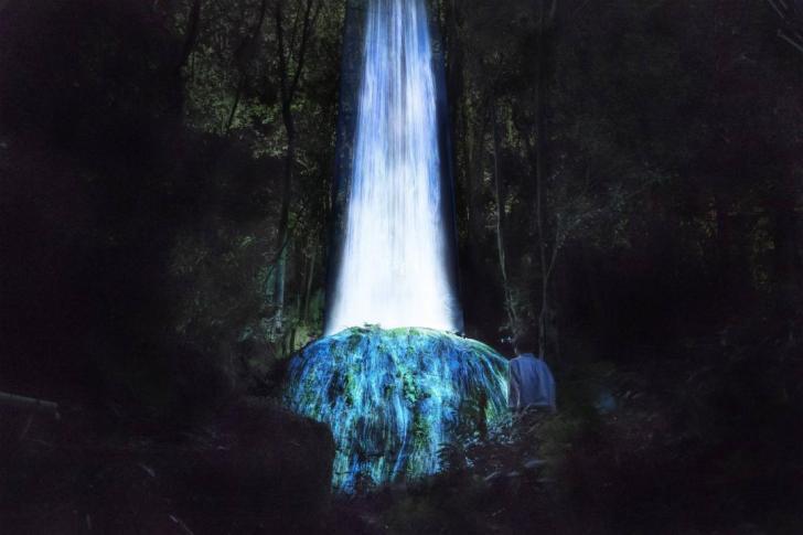 九州・御船山楽園で巨大アート展「チームラボ かみさまがすまう森 - earth music&ecology」開催!