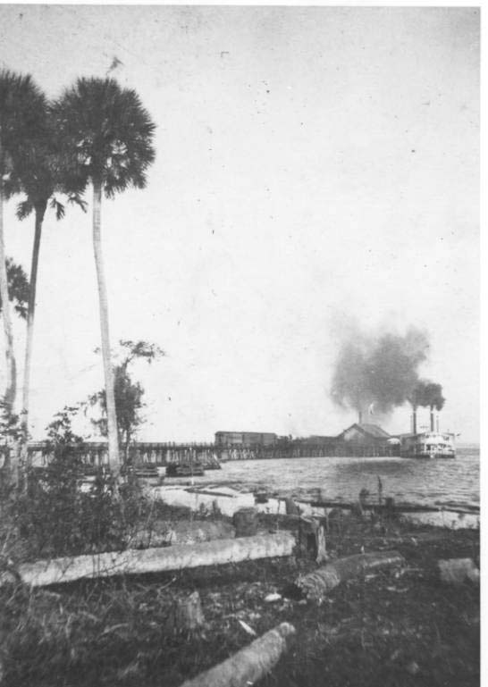 Railroad Wharf on St. Johns River - Florida (Image from www.taplines.net)