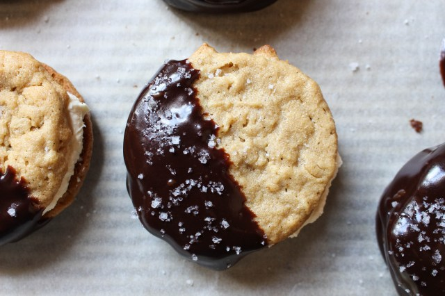 Chocolate-Dipped Peanut Butter Cookie Sandwiches with Salted Caramel Filling | Yes to Yolks