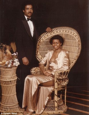 MICHELLE OBAMA WITH HER NATURAL BLACK FEATURED WOOLY HAIR(PROM PICTURE)