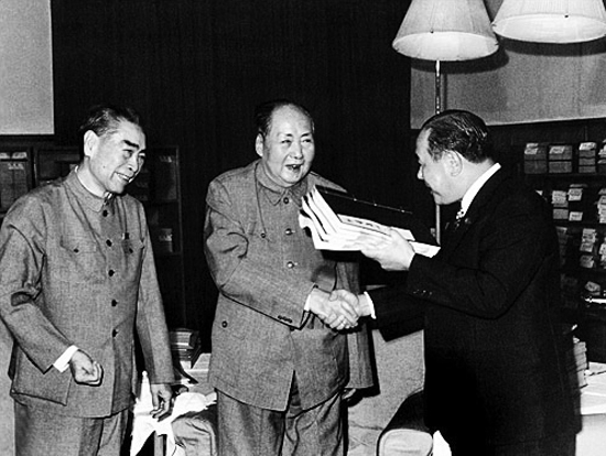 王庆民:毛泽东感谢日本侵华是黑色幽默还是真情流露?