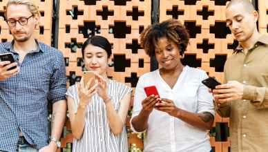 iajeros smartphones, oportunidades para mundo viajes. Los smartphones se están constituyendo aliado para hoteles y compañias mundo de los viajes que ayudará a su mejor comercialización
