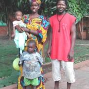 Yacou, femme et enfants