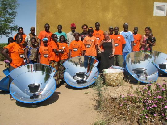 parabolic solar cookers