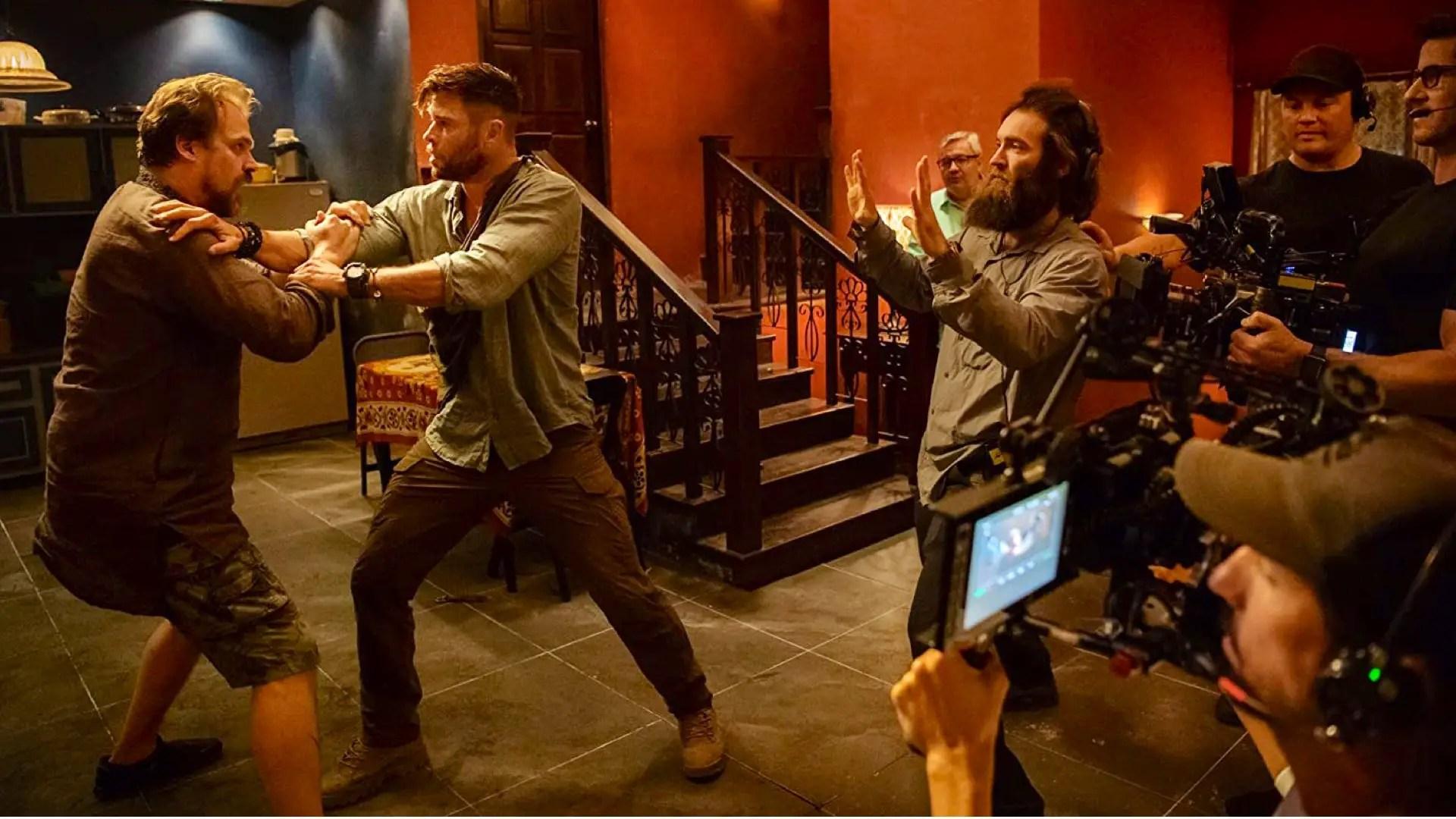 Chris Hemsworth on the Big Camera Trick Netflix Pic