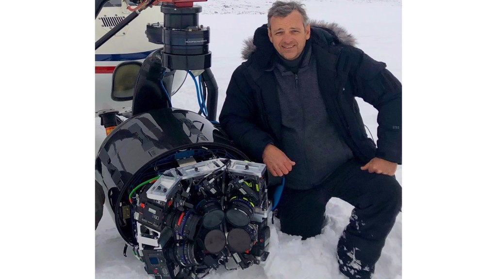 HFS JB Typhoon 2 Heli Svalbard.  Bilde - Ariel DP Jeremy Propane, Ashok.  B.Sc, helikopterfilmtjenester
