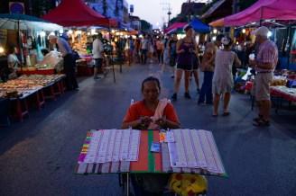 サタデーナイトマーケット、チェンマイ