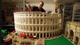 Coliseu feito com 2000 peças de LEGO