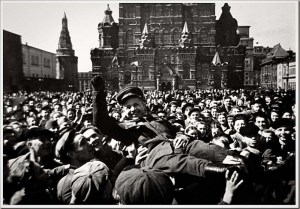 First-Victory-Day.-Red-Square-Moscow-1945