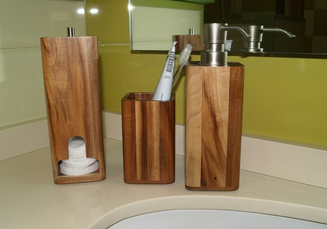 accesorios baño madera