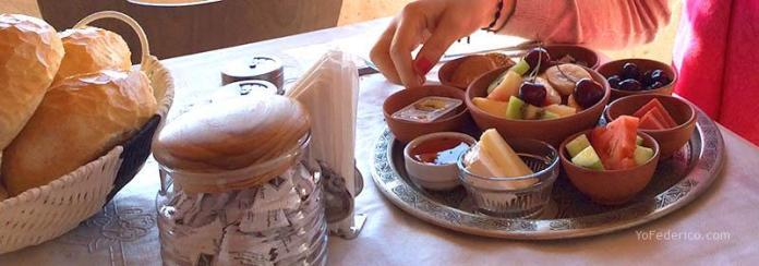 Desayuno en Hotel Turquaz, Goreme, Cappadocia, Turquia