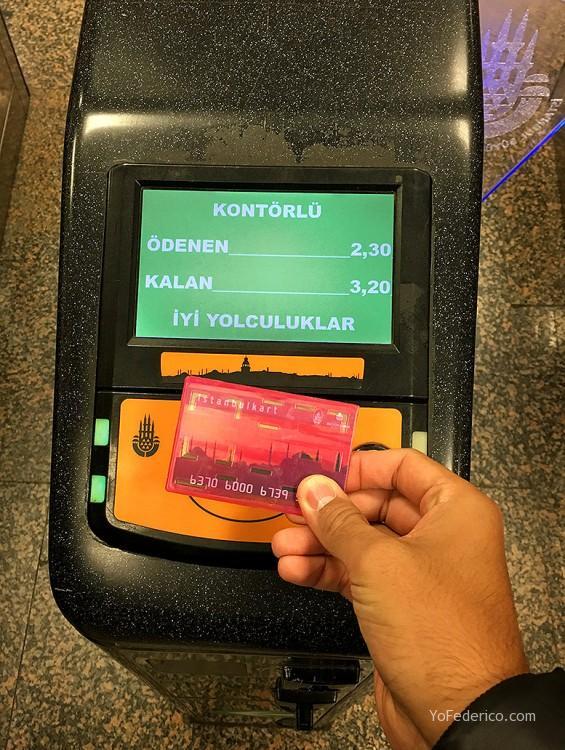 Cómo ir en Metro del aeropuerto de Estambul a la ciudad 1