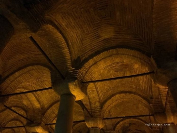 La Cisterna Basílica de Estambul 5