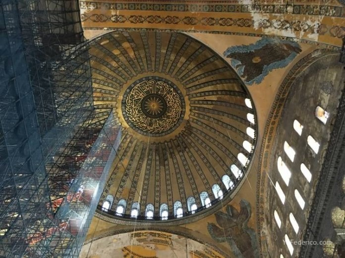 La mezquita Santa Sofía de Estambul 8