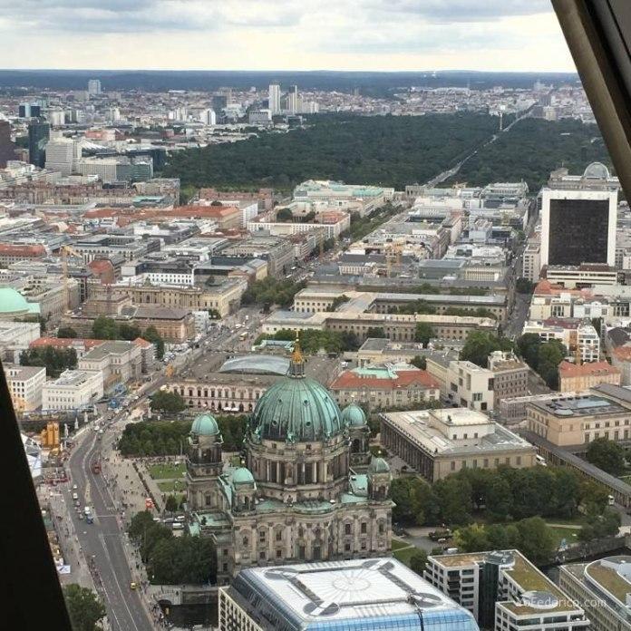 Subimos a la Torre de TV de Berlín 8