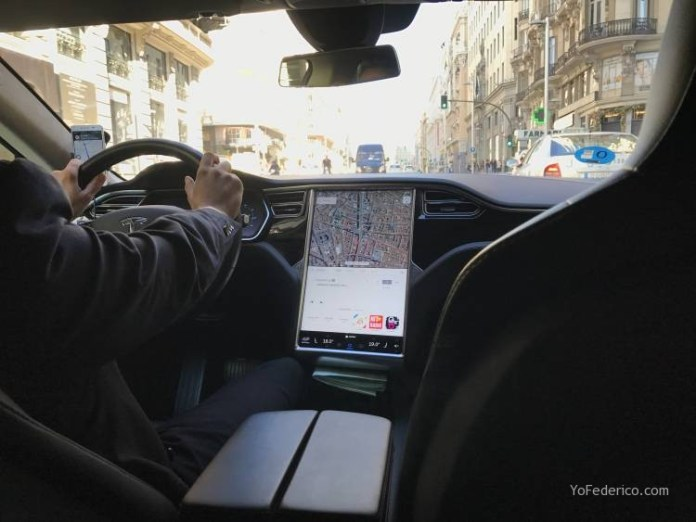Pedí un UBER en Madrid y me vino un Tesla! 2