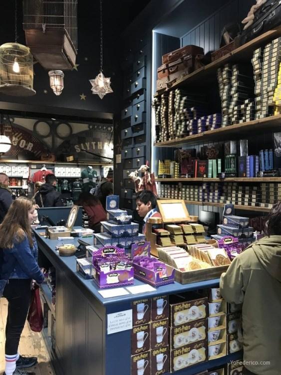 La tienda de Harry Potter en la estación King´s Cross de Londres 5